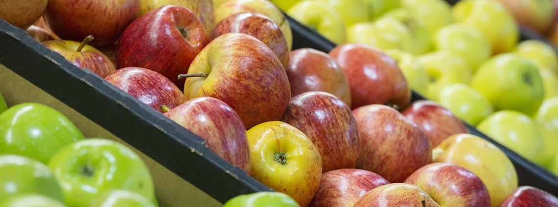 apples on display at market